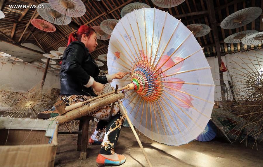 Seni Pembuatan Payung Kertas Tradisional Cina Asal-usul dan Pembuatan